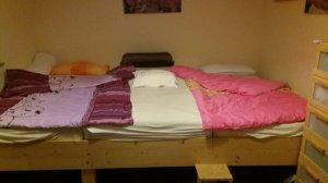 """Matratzenlager familienbett  Geschwister in einem Zimmer? // Unser """"Kinder-Familienbett ..."""
