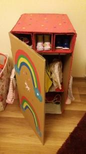 Einhorn Puppenschrank DIY
