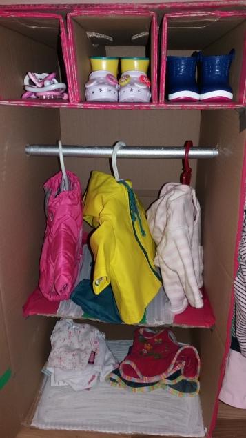 Kleiderschrank für Puppen selber machen
