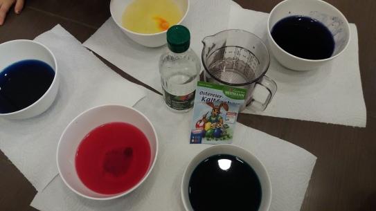 Eier färben mit Farben von Heitmann
