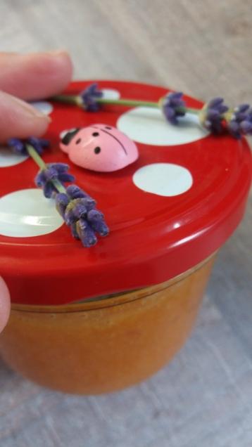 Marmelade mit Lavendel