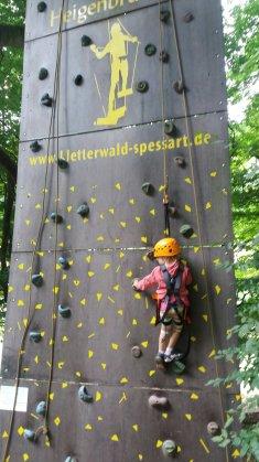 Kletterwand für Kinder ab 3 Jahren im Kletterwald Heigenbrücken