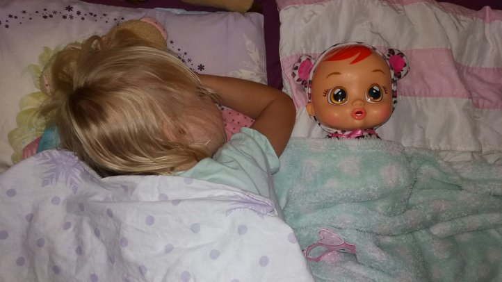 Cry Baby LEA von IMC Toys