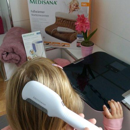 Gesundheitsprodukte von Medisana : elektrischer Läusekamm, Fußwärmer und digitale Personenwaage