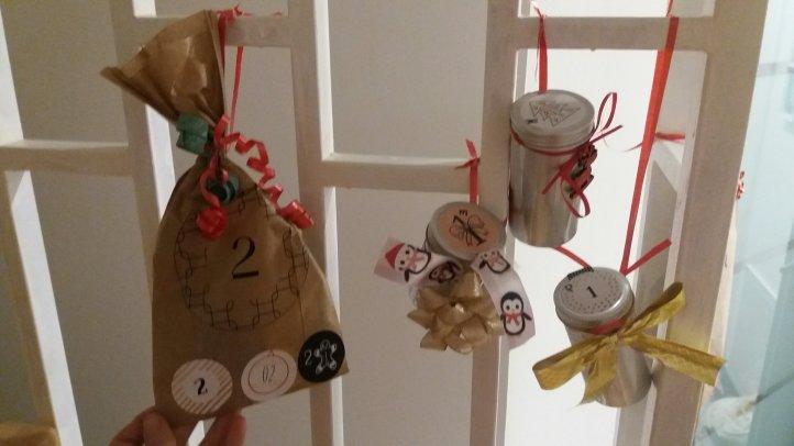 DIY Adventskalnder aus Metalldosen und Papiertüten