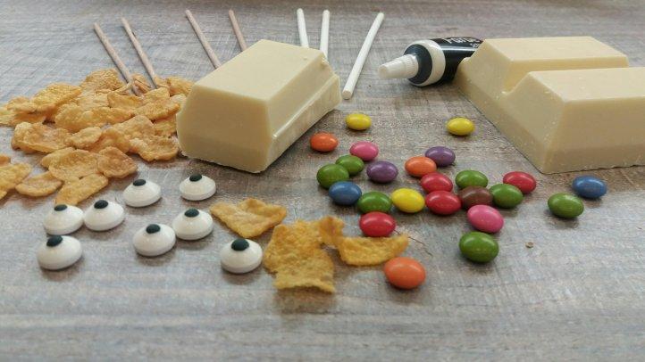 Rentiere aus Cornflakes und Schokolade