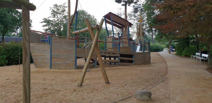 Spielplatz hinter dem Deich Duhnen Cuxhaven